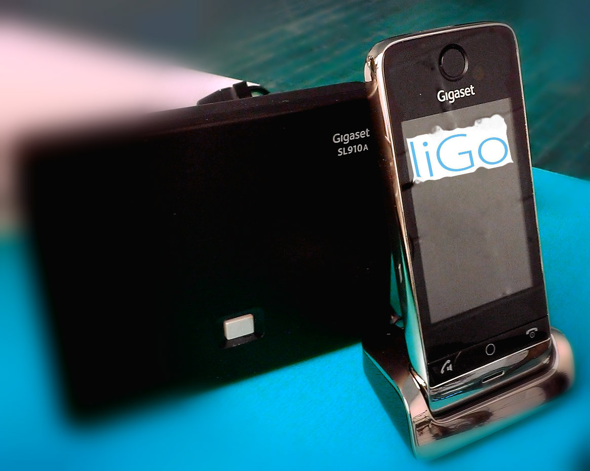 SL910A Phone and Dock