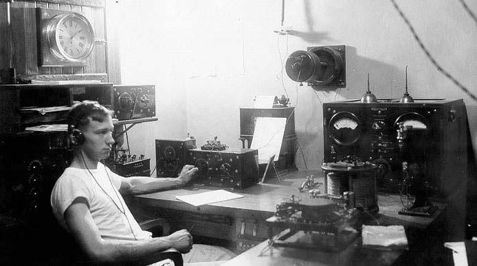 Headphones 1910s
